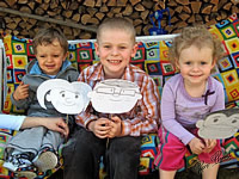 Kuba Kanadys (2,5 roku)z Lublina,Bartek Rączka (7 lat) wraz z siostrą Weroniką (3 lata)z Radzynia Podlaskiego.Data dodania zdjęcia: 11.05.2010