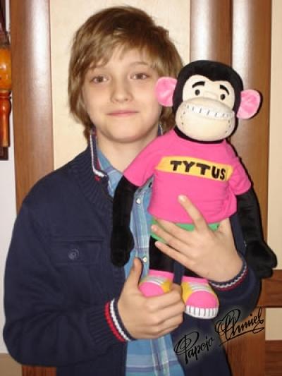 Dawid Stępień, lat 9 z Żernicy. Trzyma prototyp lalki Tytusa, jaka będzie produkowana na wiosnę w Chinach. Data dodania zdjęcia: 21.12.2012